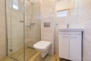 Apartament w domku drewnianym_łazienka